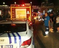 Sefaköy'de bir araç metrobüs durağına daldı!