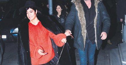 Oyuncu İlay Erkök'le iki ay önce sürpriz şekilde ayrılan Keremcem, aşk hayatında gaza bastı