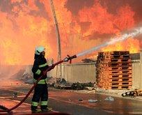 Konyada fabrikada yangın! Diğer iş yerlerine de sıçradı
