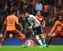 Galatasaraya Beşiktaş derbisinde çifte şok!