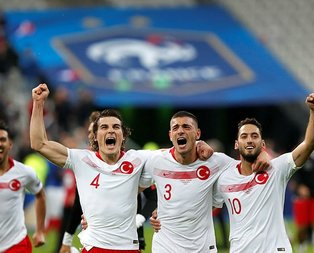 EURO 2020 elemelerinin en iyi 11'i belli oldu