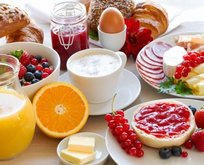 En sağlıksız 30 besin açıklandı! Sağlıklı diye tükettiğimiz bazı besinler de listede yer aldı