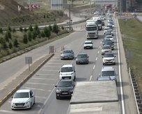 'Kilit kavşak'ta trafik yoğunluğu!