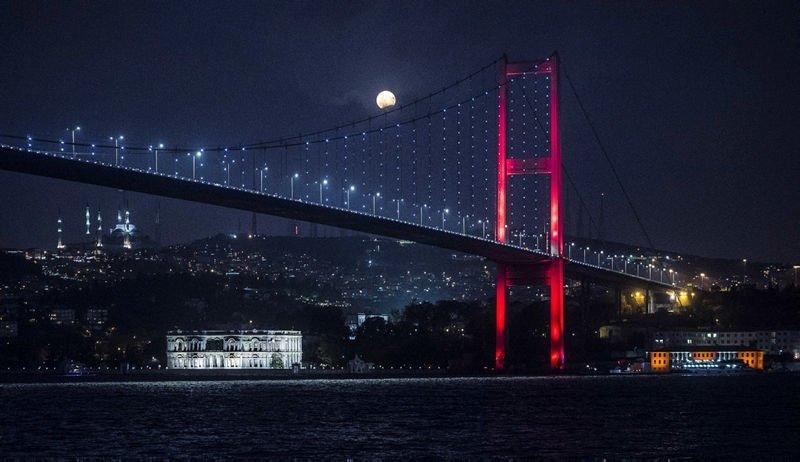 Ay tutulmasından muhteşem fotoğraflar