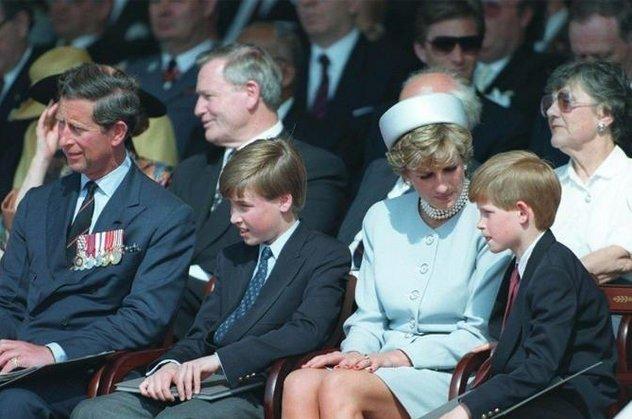 Eski çalışanları İngiliz Kraliyet ailesinin sırlarını açıkladı