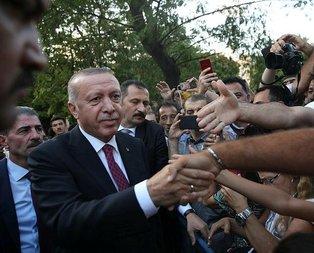 Başkan Erdoğan'a Sultanahmet'te yoğun ilgi
