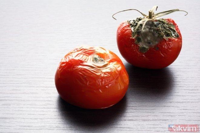 Küflenmiş domateslerinizi atmayın! İşte ev işlerinde hayat kurtaran pratik bilgiler
