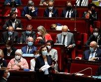 Fransız bakan yuhalandı