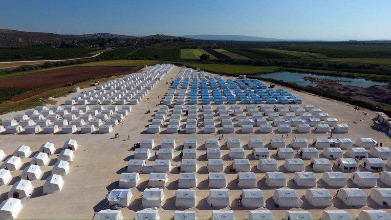 Türkiye Afrinde çadır kent kurdu