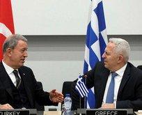 Bakan Akar Yunan mevkidaşıyla görüştü