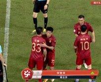 Çinli iş insanı takım satın alıp 126 kilo olan oğlunu...