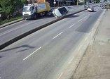 Sakarya'da korkunç kaza! Otomobile çarpıp karşı şeride uçtu: 2 yaralı