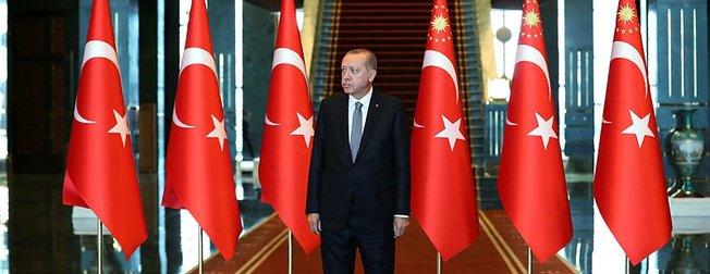 Başkan Erdoğan, başkomutan sıfatıyla Cumhurbaşkanlığı Külliyesi'nde kutlamaları kabul etti