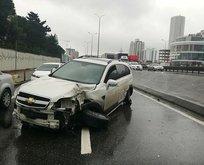 E-5 karayolunda trafiği kilitleyen kaza