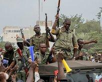 Muhalefet askeri cuntaya iş birliği teklif etti