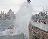 Olumsuz hava deniz ulaşımını vurdu! Seferler iptal