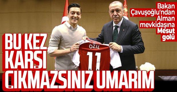 Çavuşoğlu'ndan Alman mevkidaşına Mesut Özil golü