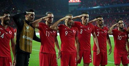 UEFA iyice şaşırdı! Millilerin asker selamıyla ilgili skandal açıklama