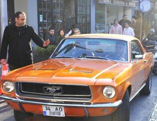 Diriliş'in Ertuğrul Bey'i Engin Altan Düzyatan'ın otomobilini görenler şaşırıyor! İşte ünlülerin arabaları