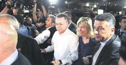 ABD'li rahip Andrew Brunson Türkiyeden ayrıldı