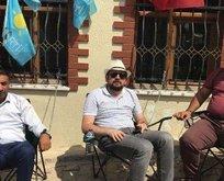 İYİ Partililer kendilerini Akşenerin evine zincirlediler