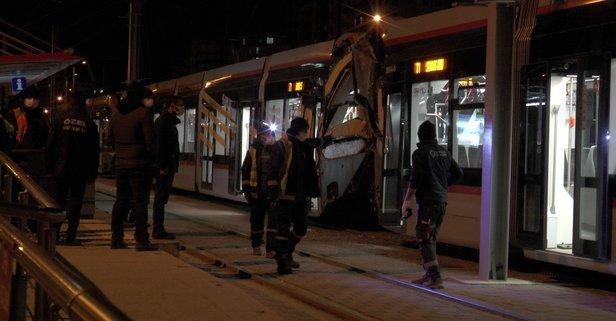 Aynı rayda giden iki tramvay çarpıştı: Yaralılar var
