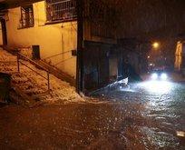İzmir'de sağanak su baskınlarına yol açtı