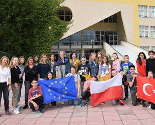 Avrupalı öğrenciler sağlıklı yaşamın sırrını öğreniyor