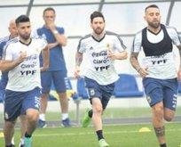 Messi'li Arjantin Hırvatistan'a karşı