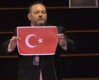 Türk bayrağını yırtan hadsiz Yunan'ın dokunulmazlığı kaldırıldı!