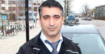 Kredi kartını müşterisine veren Türk taksici Ömer Temel, İsveç'te kahraman oldu