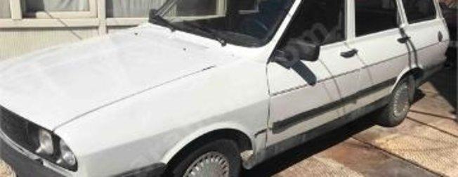 1977 model Toros aracını böyle yeniledi! Çılgın teklifler peş peşe yağıyor...
