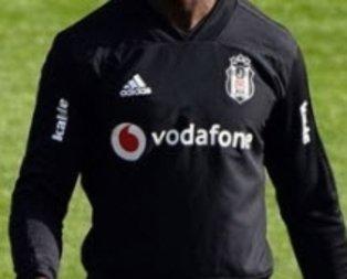 Beşiktaş'ta ayrılık! Yıldız isim Fransa yolcusu...