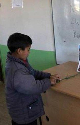 Necmettin öğretmen için tahtaya bu yazıyı yazdılar