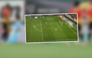 Göztepe - Beşiktaş maçında Ndiaye direğe takıldı!