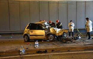 TIR'la otomobil çarpıştı: Ölü ve yaralılar var!