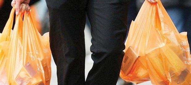Plastik poşet yüzde 80 azaldı! Bakanlığın başlattığı uygulama meyvelerini verdi