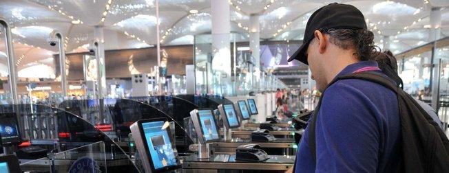 İstanbul Havalimanı'nda yeni dönem! Pasaport kontrolü 18 saniyeye düşüyor