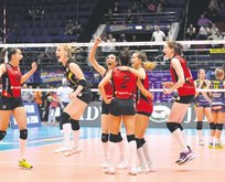 VAkıfbank 8. kez finalde
