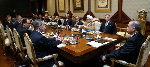 Erdoğan, Türkmenleri Külliye'de kabul etti