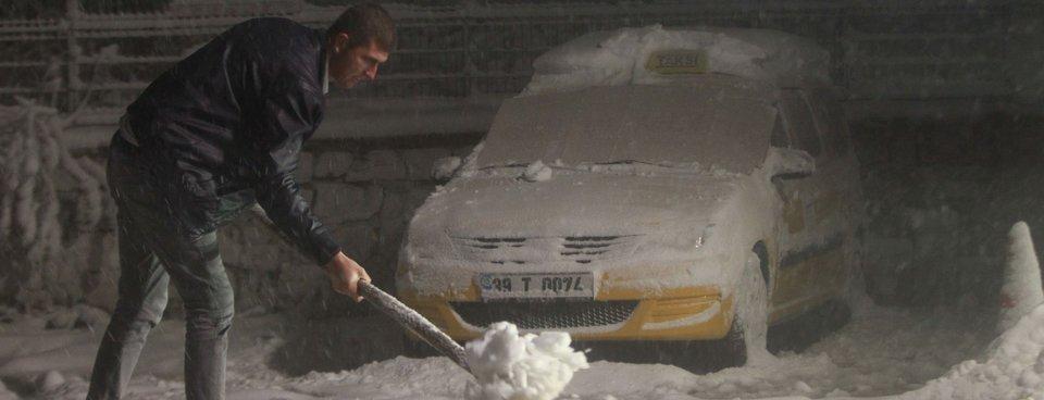 Türkiyenin birçok noktasına ilk kar düştü