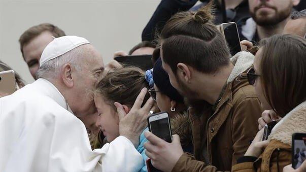 Vatikan'ı endişelendiren haber! Koronavirüs etkinliğine katılan Papa rahatsızlandı! 2