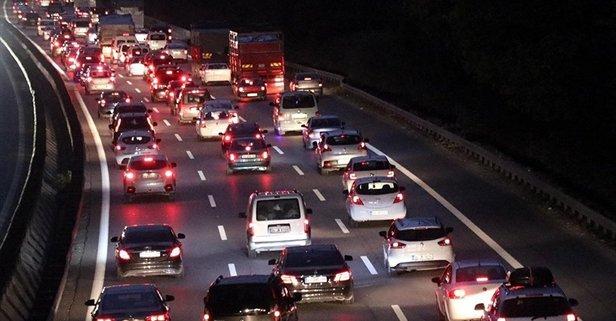 İzmir trafik durumu! İzmir yol durumu trafik yoğunluğu nasıl?