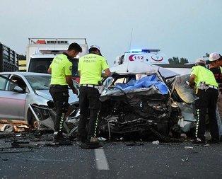 İzmir'de feci kaza: 3 kişi hayatını kaybetti