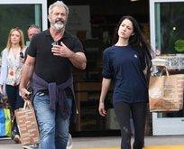 Ünlü aktör Mel Gibson 35 yaş küçük sevgilisiyle yakalandı!