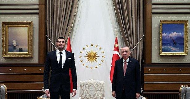 Başkan Erdoğan milli yüzücü Sakçı'yı kabul etti!