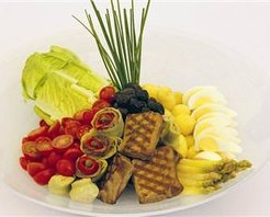 Ton Balıklı İspanyol Salatası Tarifi
