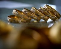 Gram altında tarihi düşüş! 22 ayar bilezik, gram altın, çeyrek altın fiyatları ne kadar?