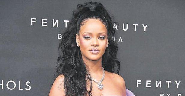 Rihanna servete mal oldu