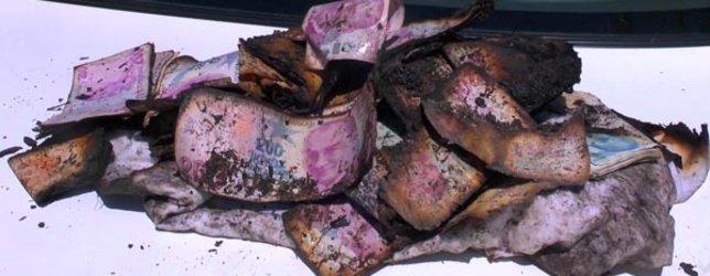 Sandıkta sakladığı 155 bin lirası kül oldu